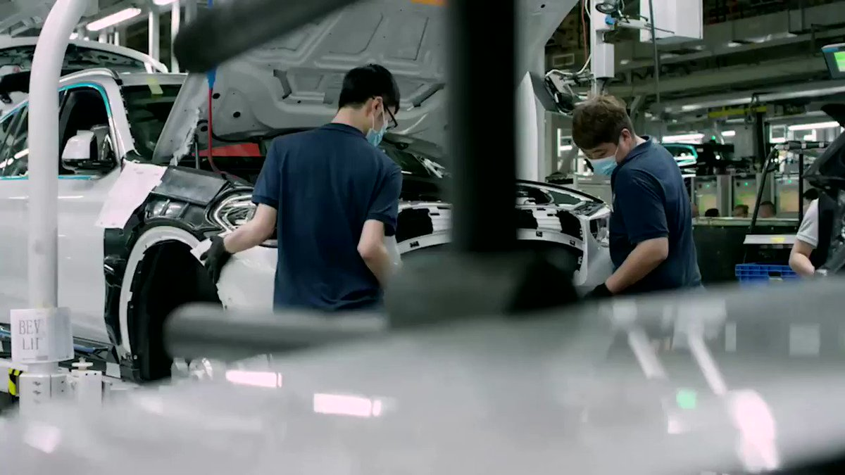 WATCH: Even as most of the auto industry has been hit by a global semiconductor chip shortage, German carmaker BMW said it remains on course to meet its profit targets for 2021 https://t.co/E6BCYkbw0u https://t.co/IQYm3S3yEO