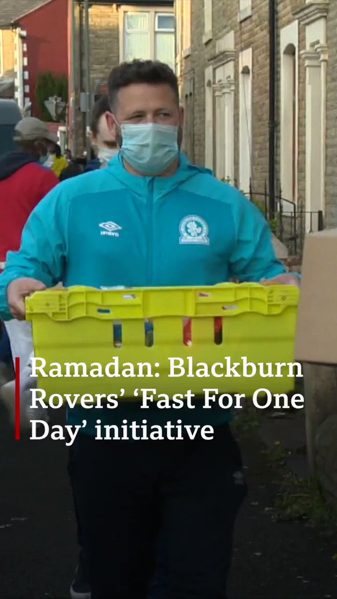 .@Rovers have brought together 12 families from the same Blackburn street, to fast together for Ramadan. @bbcasiannetwork has covered the story, and we support Blackburn Rovers now. https://t.co/A0DsuyGIgi