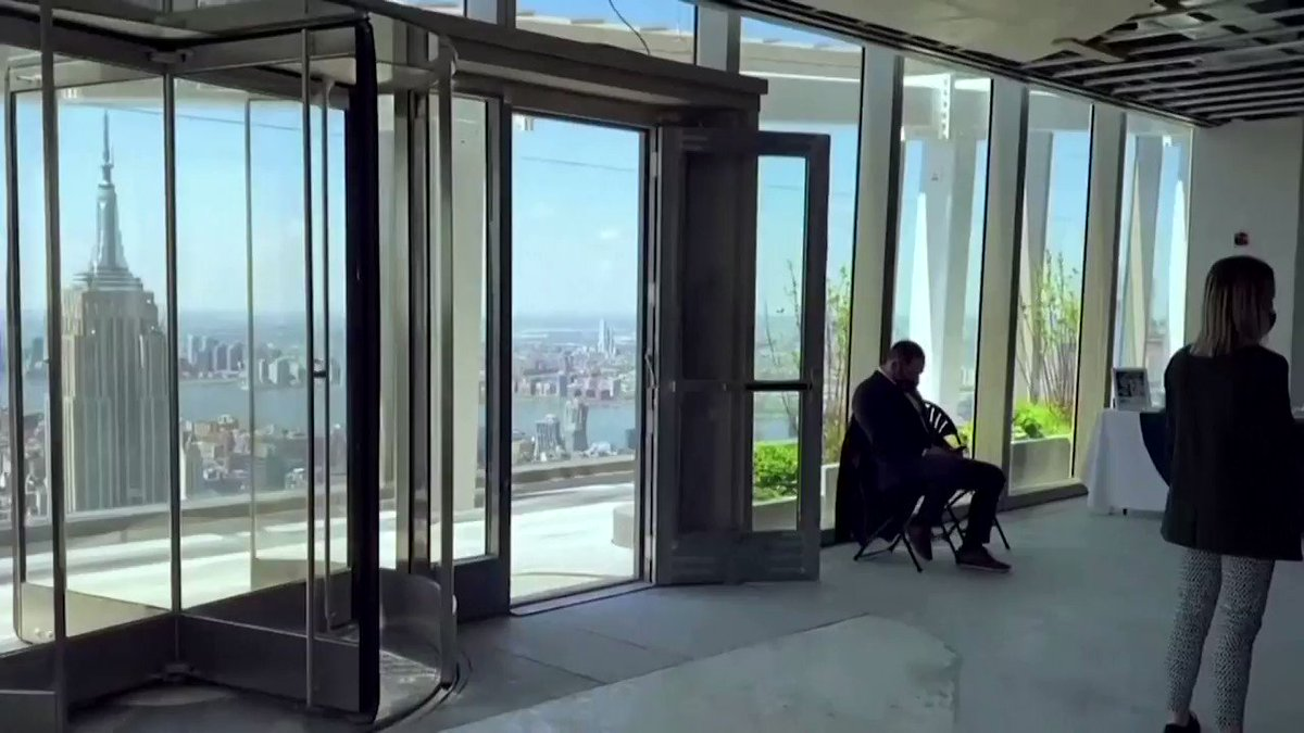 An all-glass elevator will soon offer people views of New York from 1,210 feet above the city. The observation deck at One Vanderbilt is set to open in October. https://t.co/QcjYBWP62u https://t.co/tKlwCIGu3O