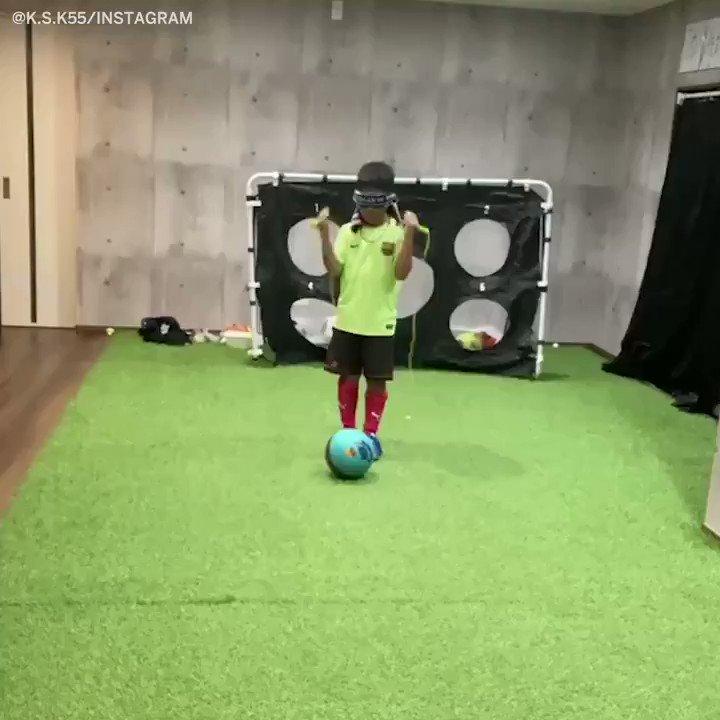 This kid is a football Jedi 🤯  (via k.s.k55/Instagram) https://t.co/K3kAUpsTrN