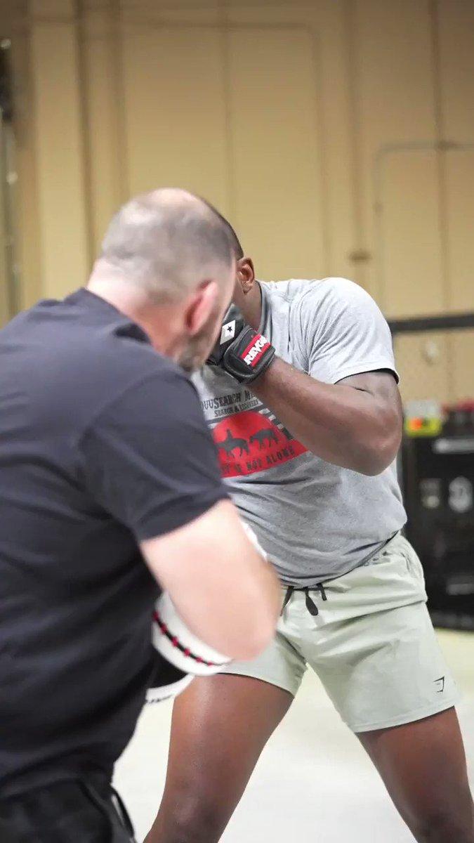 Putting in the work for #UFCVegas28 👊  [ @TheBigTicket205 | @RomanDolidzeUFC | LIVE Saturday on @ESPNPlus ] https://t.co/iL5SXRGG9p