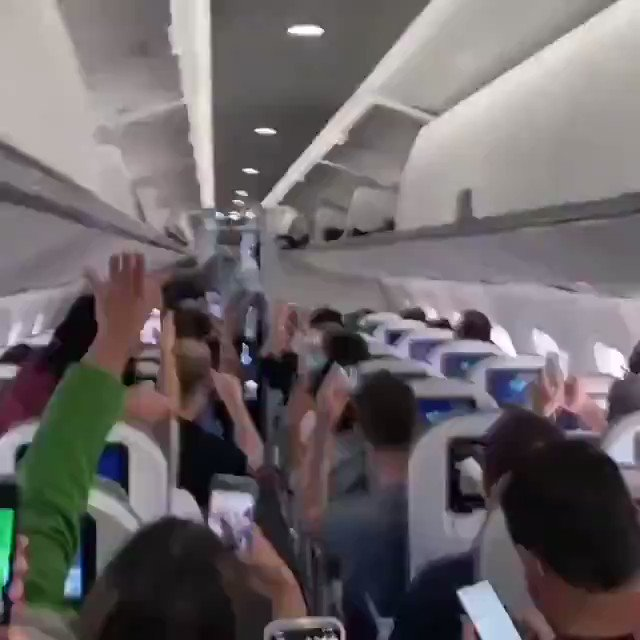 Brazilian president Jair Bolsonaro was ran out of plane after every passenger began heckling him and calling him a genocider. #ForaBolsonaro  Read why Brazil hates him so much: https://t.co/7RAyqbBYg5 https://t.co/cJJSxDcIfi