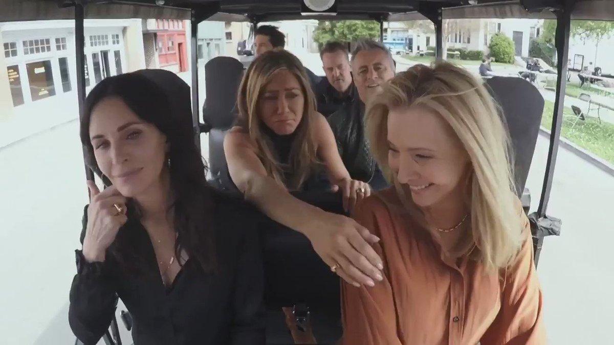 The cast of Friends do a little impromptu CART-pool Karaoke. https://t.co/4bvF1TMoiS