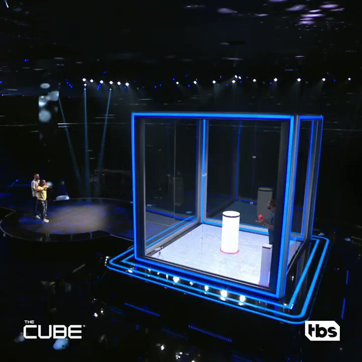 .@DwyaneWade is one with The Cube. https://t.co/gcMOI5NzqS