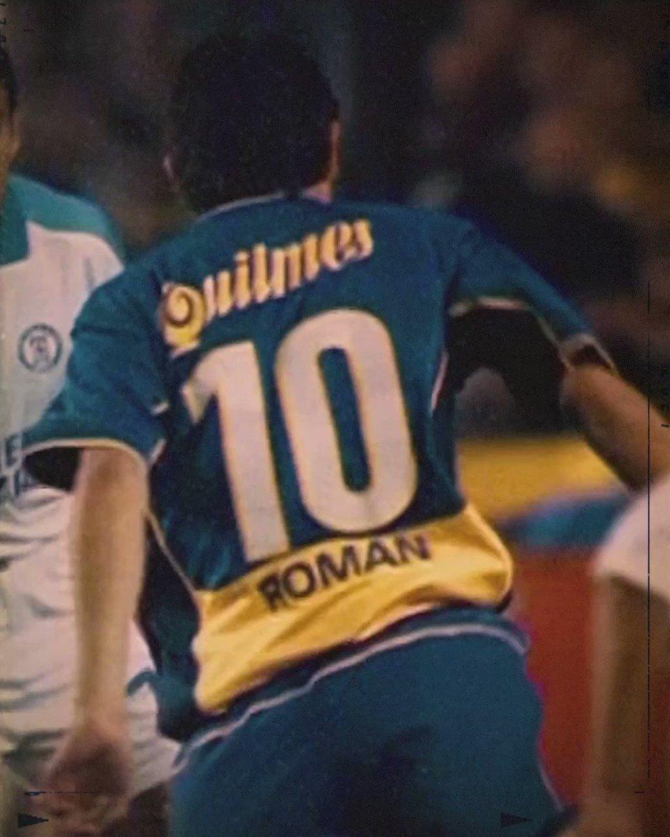 En 2 horas Cumpleaños El señor que hizo enamorarme de este deporte, que los primeros partidos de fútbol que vi en mi vida fueron de Boca, El junto a Palermo hacen que todos los días tenga que ver, hablar de este deporte, TE AMO ÚLTIMO 10 ⚽👏🏼.