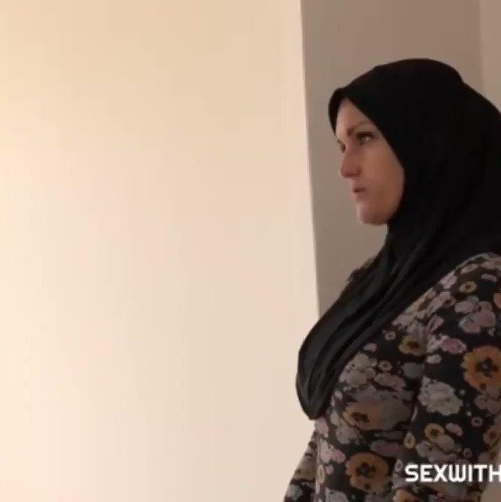 İstanbul Küçükyalı esmer escort bayan partneri domaltmış amına fena pompalıyor
