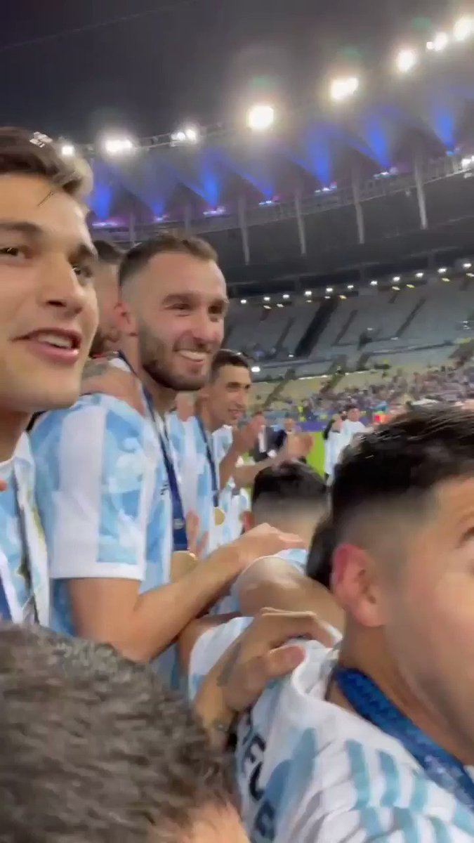 This angle of Messi and Argentina lifting the trophy  So wholesome 😂  (via chinomartinezquarta96/IG) https://t.co/2oxMDDZoho