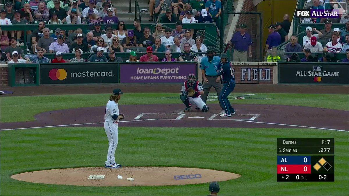 AL (+100 ML) crosses the plate first 👏  (via @MLB) https://t.co/KVC2IZiqDR