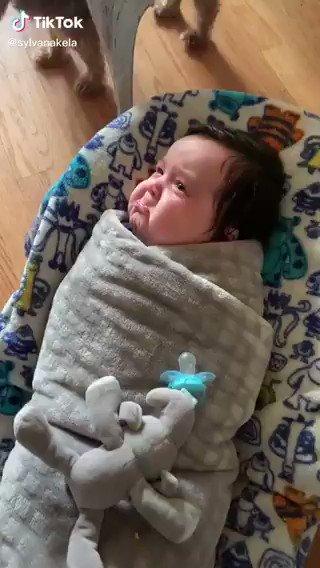泣くことを我慢する顔が可愛すぎるww   https://t.co/I7eVPCNYtF