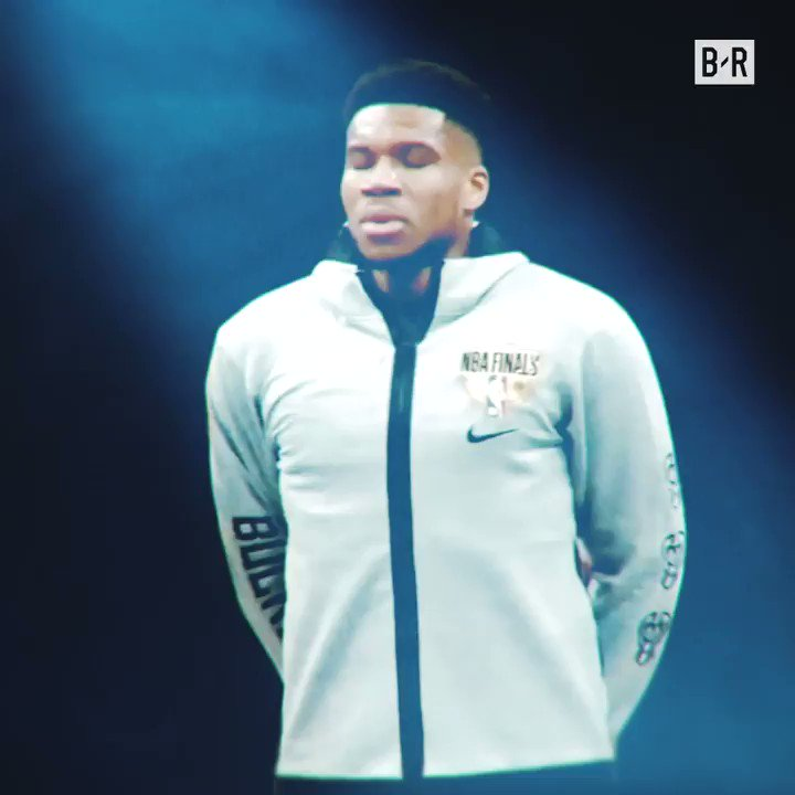 """""""This is going to be his league if the Bucks win""""  Phoenix vs Milwaukee. Game 6. A lot on the line 🏆 https://t.co/VjjDpGxe2g"""