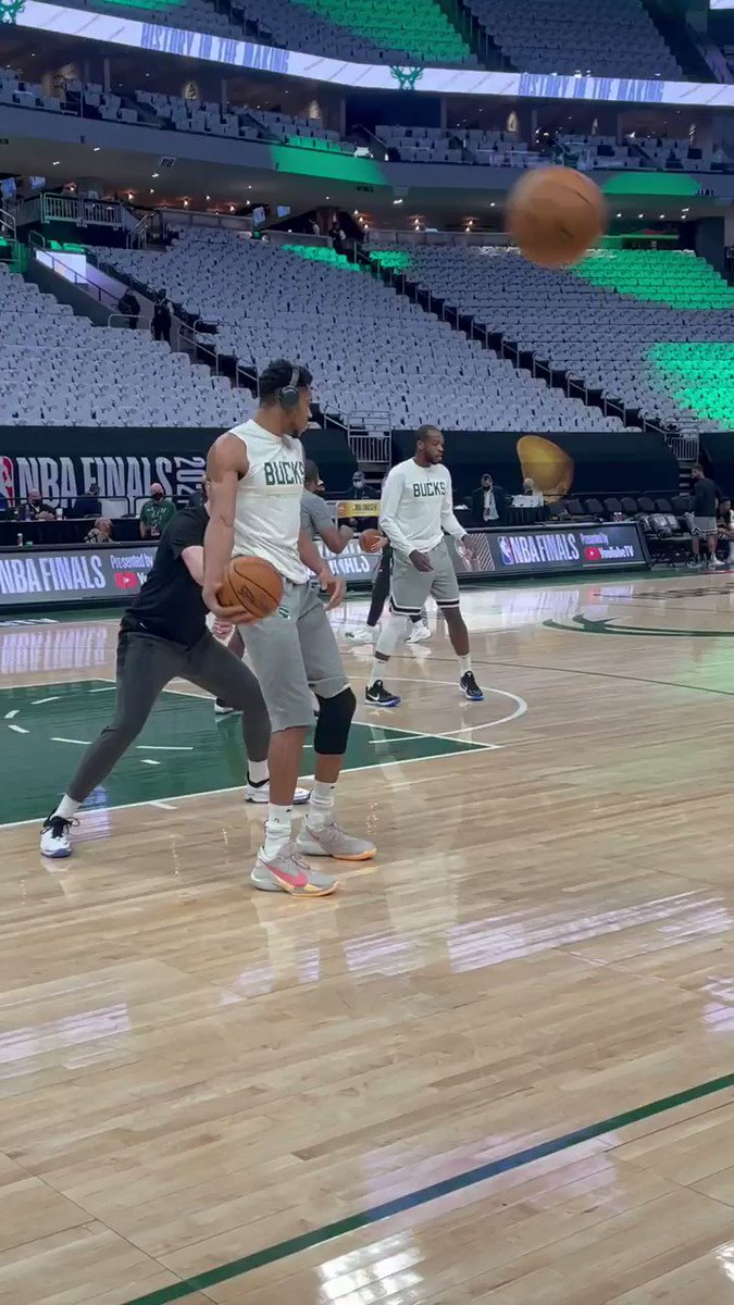 Giannis locking in for Game 6 😤  Will the Bucks close it out tonight?  https://t.co/8toNDu9zML