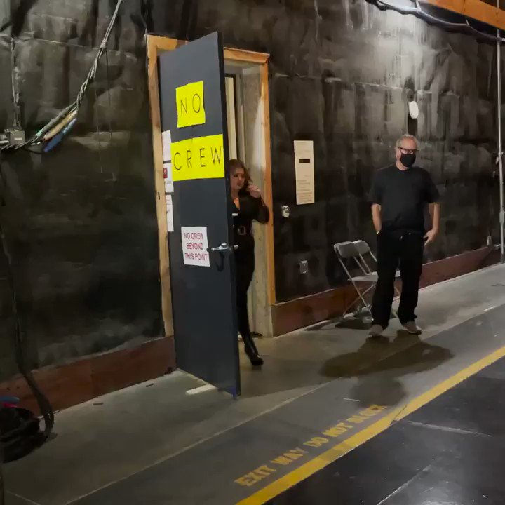 It's premiere night, y'all! We have a special performance to kick off @NBCTheVoice! Here's a tease… #TeamKelly #TheVoice https://t.co/nW4w5WnKNo