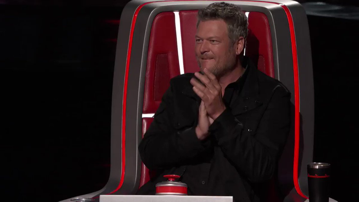 The chance of pigs flying... pretty low. The chance of @BlakeShelton having my back for once... even LOWER! #TeamKelly #TheVoice https://t.co/ndDu6Cx3FV