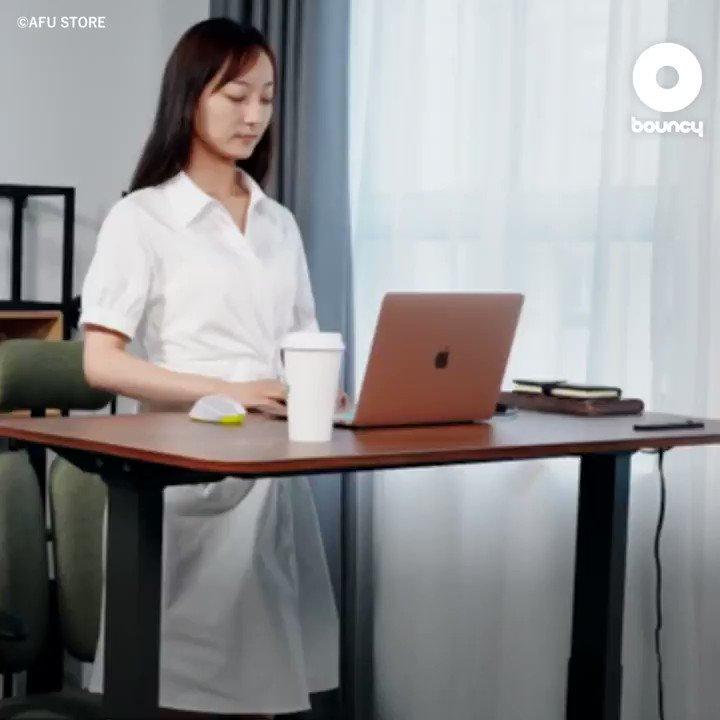 立って座ってワイヤレス充電まで。最適な在宅環境を実現する電動昇降デスク「noc loc」 by AFU STORE詳しくはこちら👉#昇降デスク #在宅ワーク