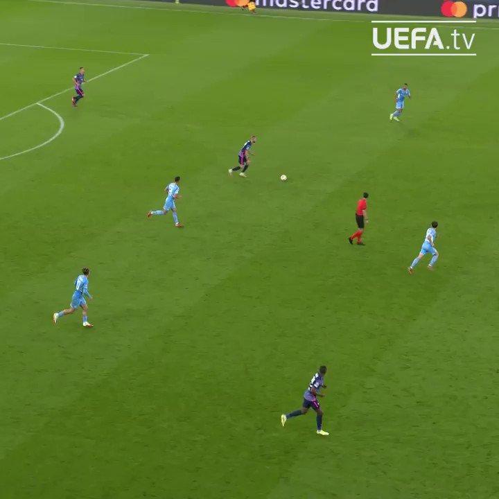 Grealish, kariyerinin ilk Şampiyonlar Ligi maçına golle başlıyor 💙