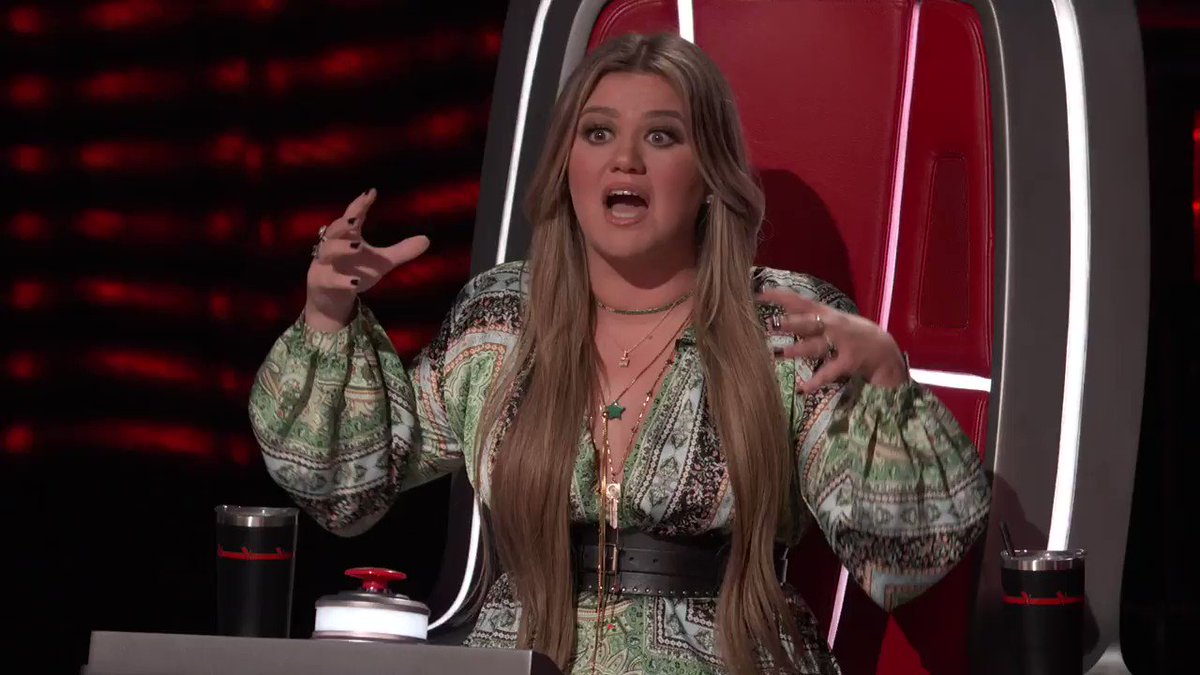 Y'all I can't believe I didn't have to fight for @carolinaalonsox 🤯  Everything about your audition was so beautiful, Carolina! #TheVoice #TeamKelly https://t.co/P1k3YQgNhl