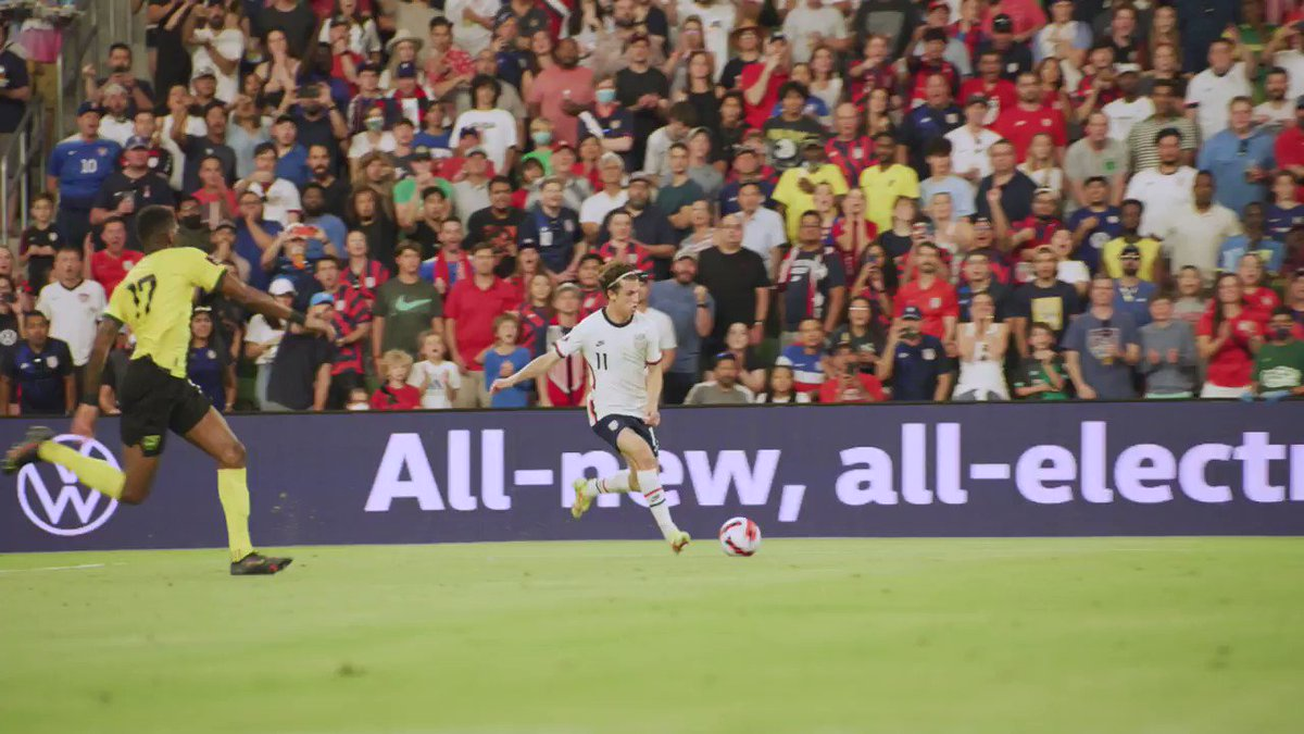 RT @USMNT: Feel free to watch this as many times as you need. It's pure art. https://t.co/vaBFBnuDXc