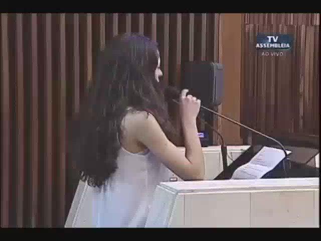 Ana Julia, 16 anos, explica a deputados no Paraná o que são as Ocupações! #AQuemPertenceAEscola? https://t.co/1O9PmGweJz