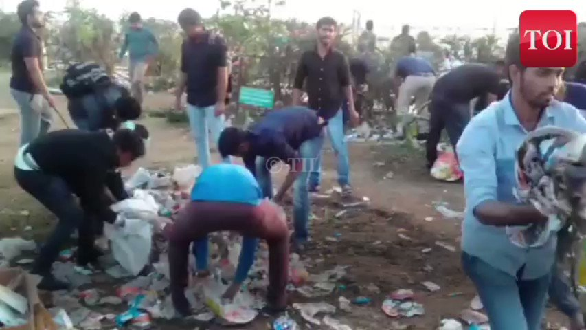WATCH: Pro-jallikattu protesters are setting an example by keeping Marina Beach clean https://t.co/mWx0PSMBqz