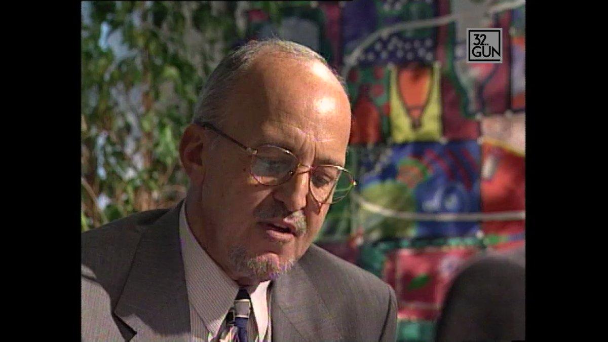 32. Gün Arşivi / 1997 #YaşarKemal: 'Savaş önce yöneticileri, sonra hal...