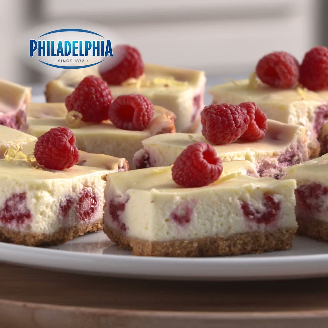 Our Fresh Raspberry-Lemon Cheesecake Bars and a #HappyEaster go hand in...mouth. https://t.co/ECxkP22jU8 https://t.co/gkuu3HdW9H