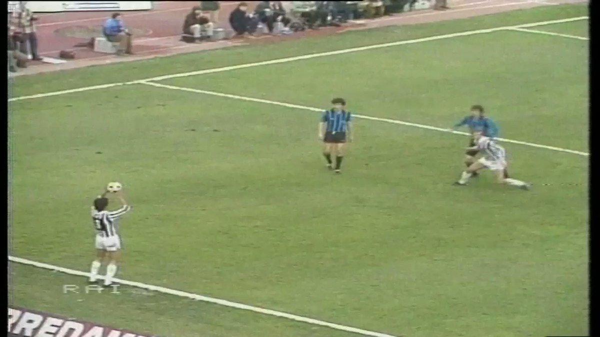 ⚽ #GoalOfTheday 🗓 23/3/1980 👉 Roberto #Bettega 🆚 @inter ⚪️⚫️ #FinoAlla...