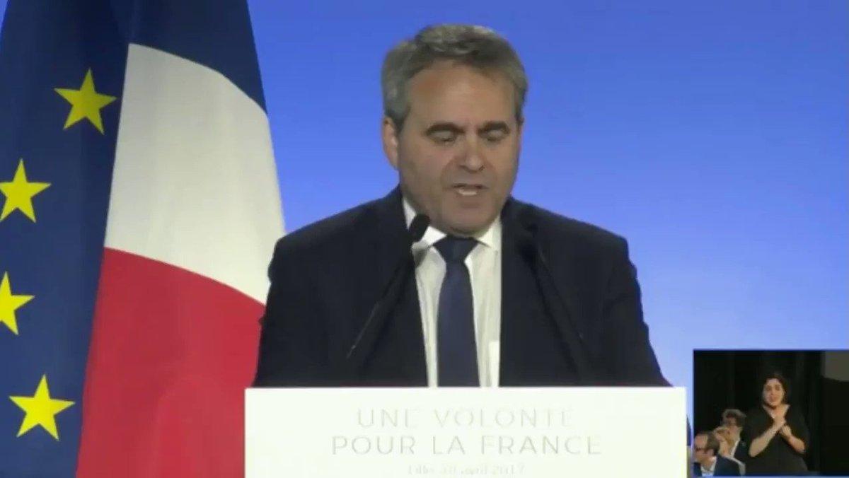 Celui qui pourra ramener la France vers le plein emploi, c'est @FrancoisFillon ! #FillonLille https://t.co/cbw54ai1LL