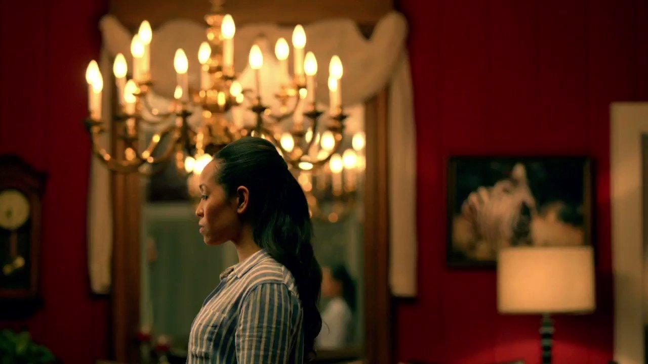 Sweeties your first look of #QueenSugar Season 2 is HERE. Countdown to June 20 & 21 premiere is on 🙌🏾  #GimmeSugar https://t.co/iouAESDnBC