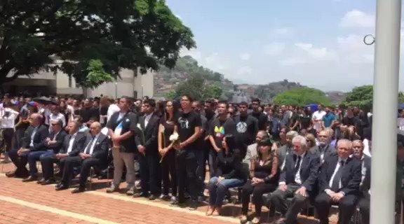 Misa por Juan Pablo Pernalete en la @@Unimet este #27Abr https://t.co/...