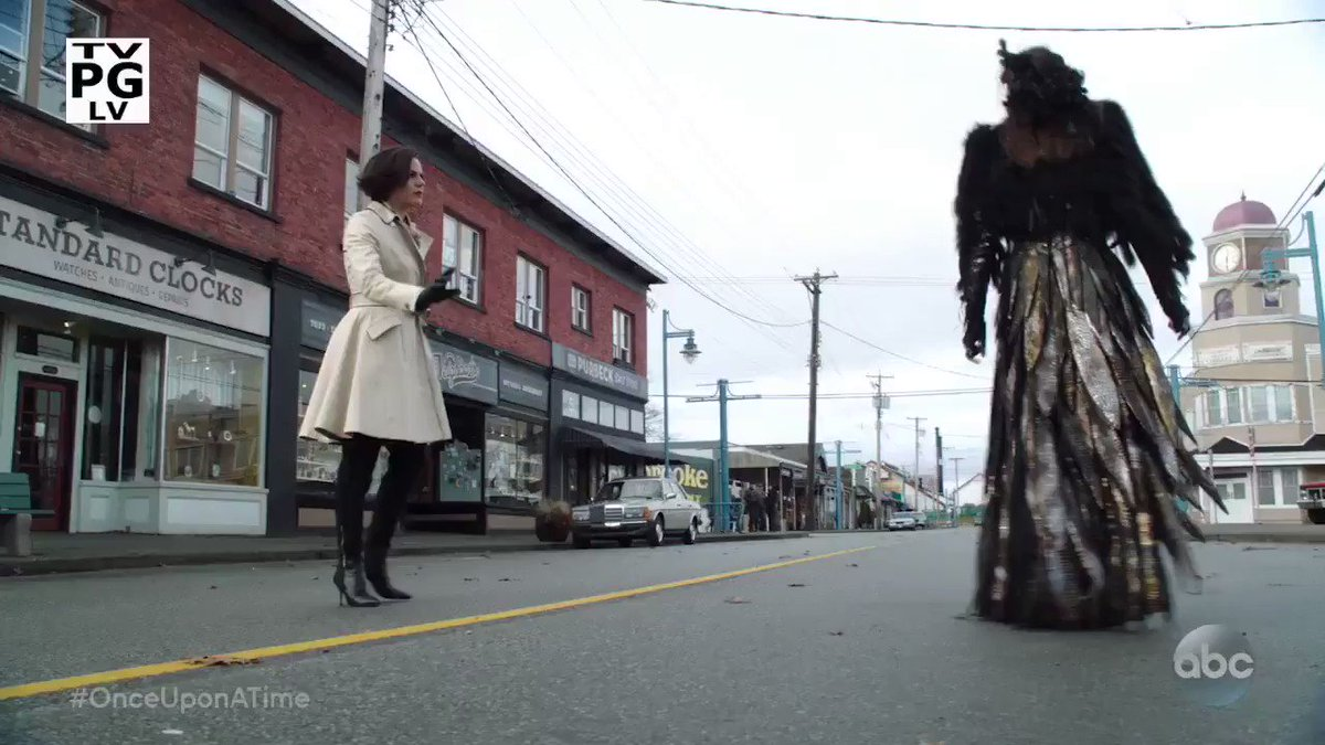 Storybrooke is preparing for the final battle. #OnceUponATime https://...