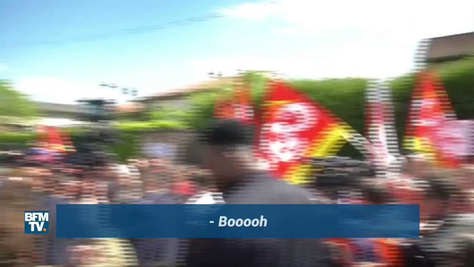 'Boooooooooh' Emmanuel #Macron chahuté à son arrivée à Albi