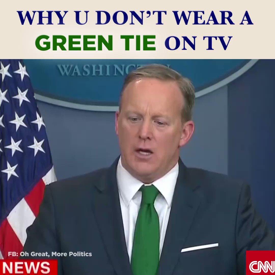 Los peligros de usar una corbata verde en TV. #PolíticaDivertida #MPRgroup https://t.co/2FrOlobM2M