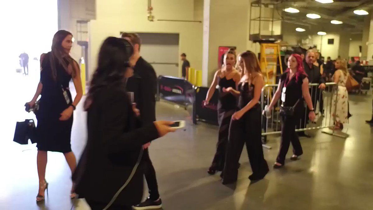 Lea Michele and Ashley Tisdale backstage...