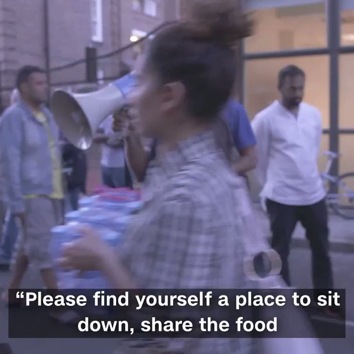 After the devastating fire in West London, people come together to break fast with iftar https://t.co/r75GXVbQAP