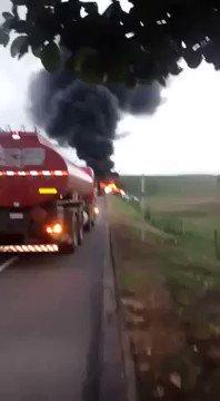 Acidente entre ônibus, carreta e ambulâncias mata ao menos 15 pessoas...