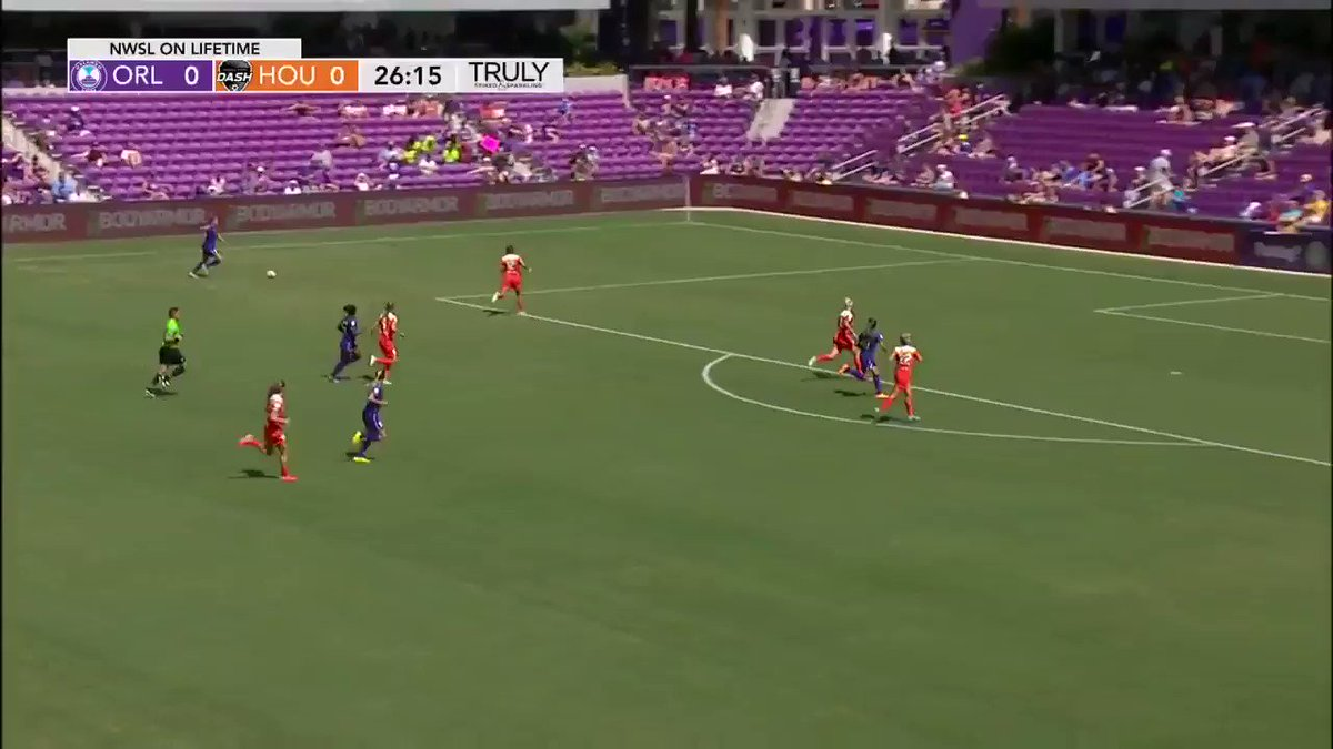 26' - @ORLPride's Marta hits the cross bar!!! #ORLvHOU  #NWSLonLIFETIM...