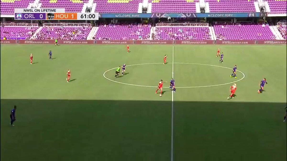 62' - #HOU Goal - On the counter, @RachelDaly3 scores with assist from...