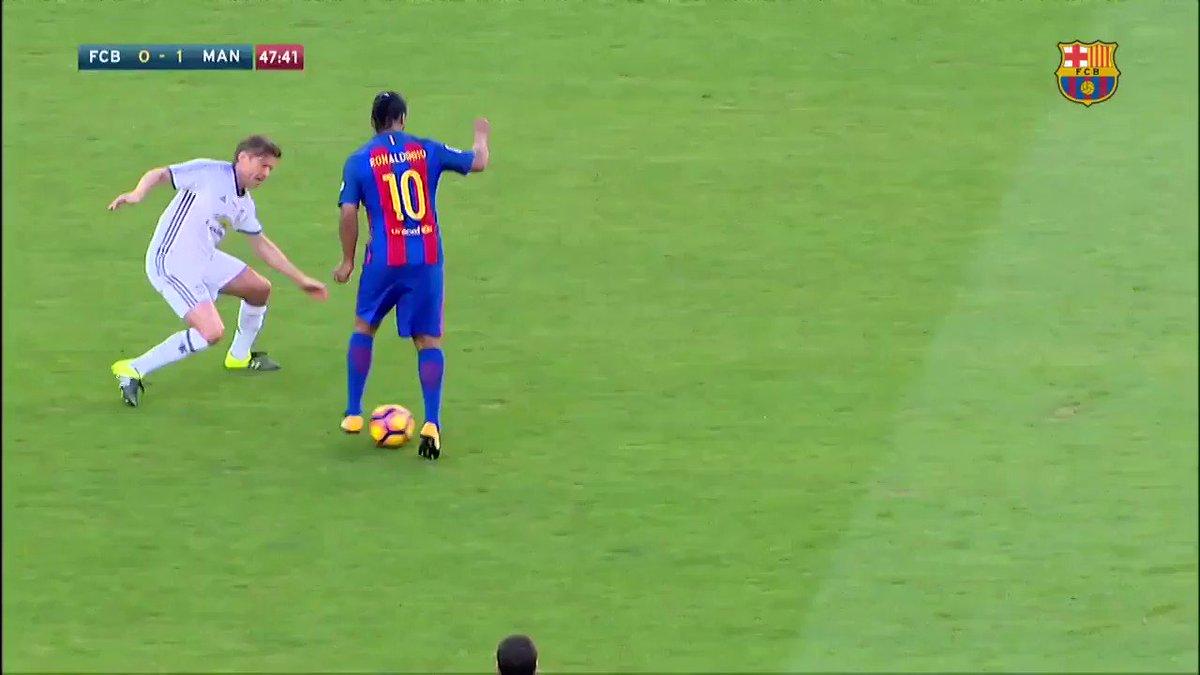 Olá, hoje é dia 30/06/2017 e o Ronaldinho Gaúcho continua humilhando os adversários pelos gramados do mundo.