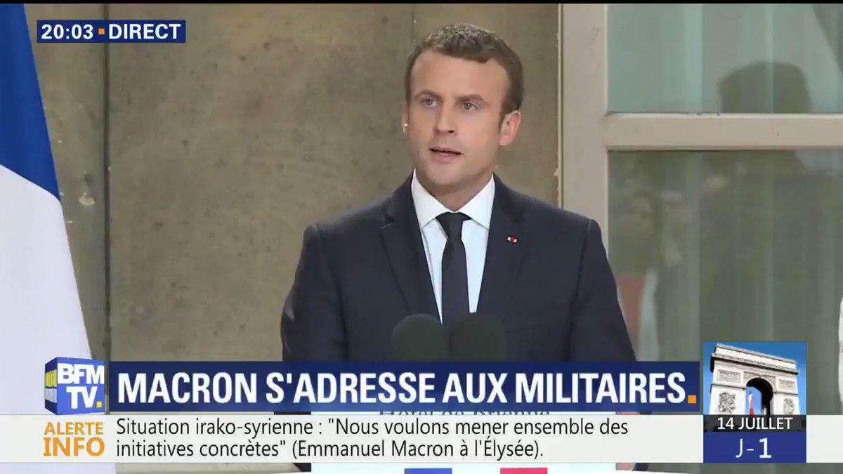 'Je suis votre chef': Macron répond sèchement à la gronde dans l'armée française