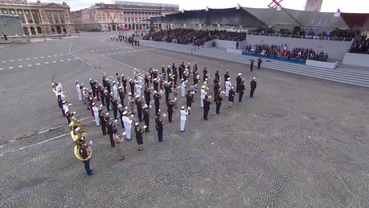 Nissa La Bella RT @BFMTV: #14Juillet : l'armée rend hommage aux victimes de l'attentat de Nice #Nice06 https://t.co/xDVLcHr2F2