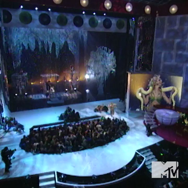 #TBT @britneyspears' iconic performance at the 2001 #VMAs �� https://t.co/3rL5Rfhn5o