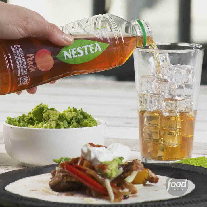 Relive your sizzling summer anytime with a Sheet Pan Fajita recipe from @FoodNetwork that pairs perfectly with a bottle of the #NewNESTEA! https://t.co/U4SONfmu5Z