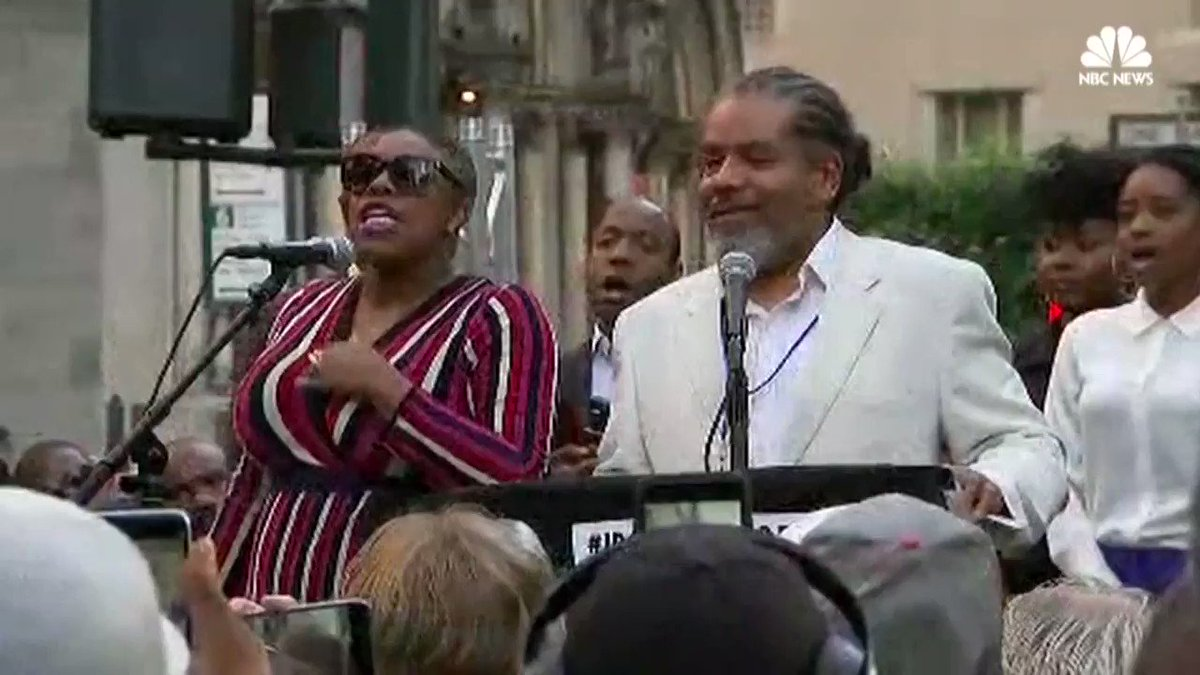Supporters of Colin Kaepernick hold rally at NFL headquarters. Read more: https://t.co/da7zhwyQqQ https://t.co/aoii2h2lGR