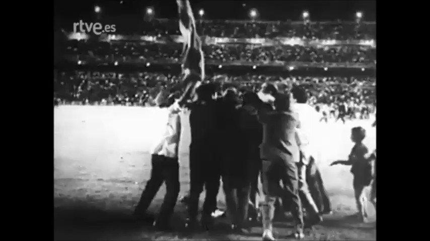 #UnCéspedDe100Años y más historia del @Atleti', un 'histórico del balompié' 👉 http://rtve.es/v/4218499/ #FelizDomingo