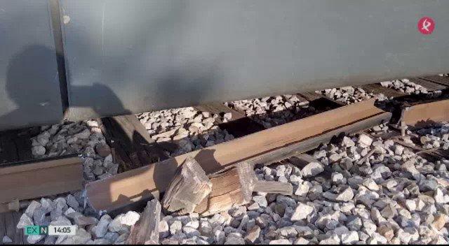 Esta vez ha sido la rotura de una vía la que ha interrumpido el tráfico ferroviario. @InfoAdif espera que a las 15:00 esté restablecido.#EXN https://t.co/fsXKLZrcz4