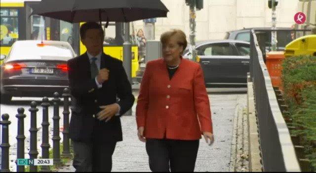 #Alemania ha votado...con alguna sorpresa. Angela Merkel vuelve a ganar pero el partido xenófobo AfD entra con mucha fuerza en el #Bundestag https://t.co/ZOKwHmC9eU