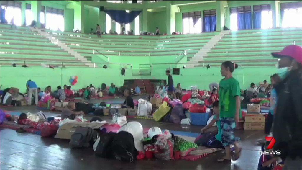 Eruption fears as 57,000 flee Bali volca...