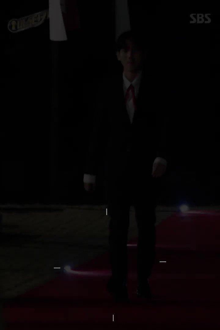 수줍수줍 열매 먹은 #백현 직캠.mp4 귀엽고 멋있고 섹시한거 혼자 다 하는 중 ♥_♥ ☞ #마스터키 10월 14일(토) 6시 10분 첫 방송 https://t.co/s9I1VUwKqI