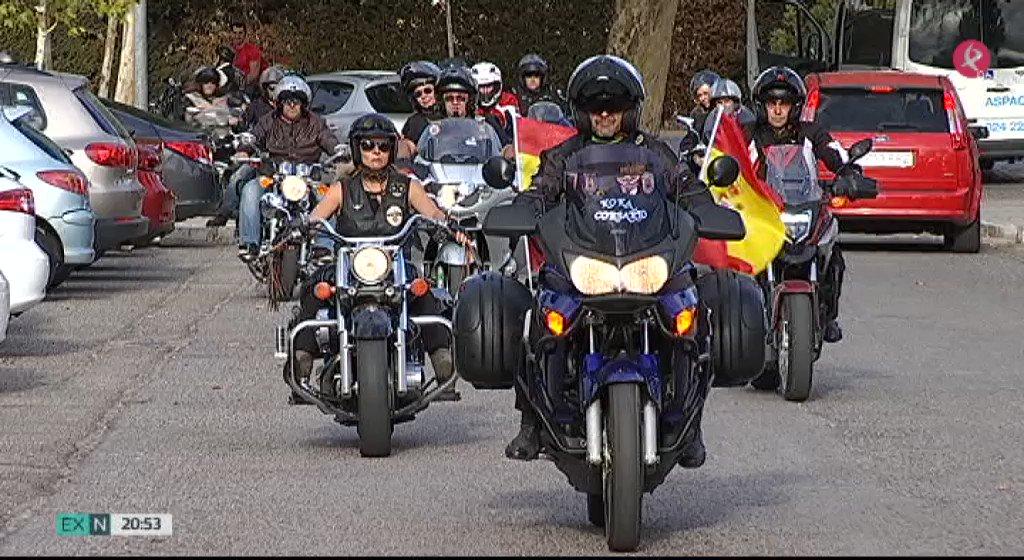 Los 'Corsarios del Asfalto' han llevado sus motos hasta los usuarios de @ASPACEBA_. Juntos han pasado una tarde llena de sonrisas. #EXN https://t.co/yF17hMye0p