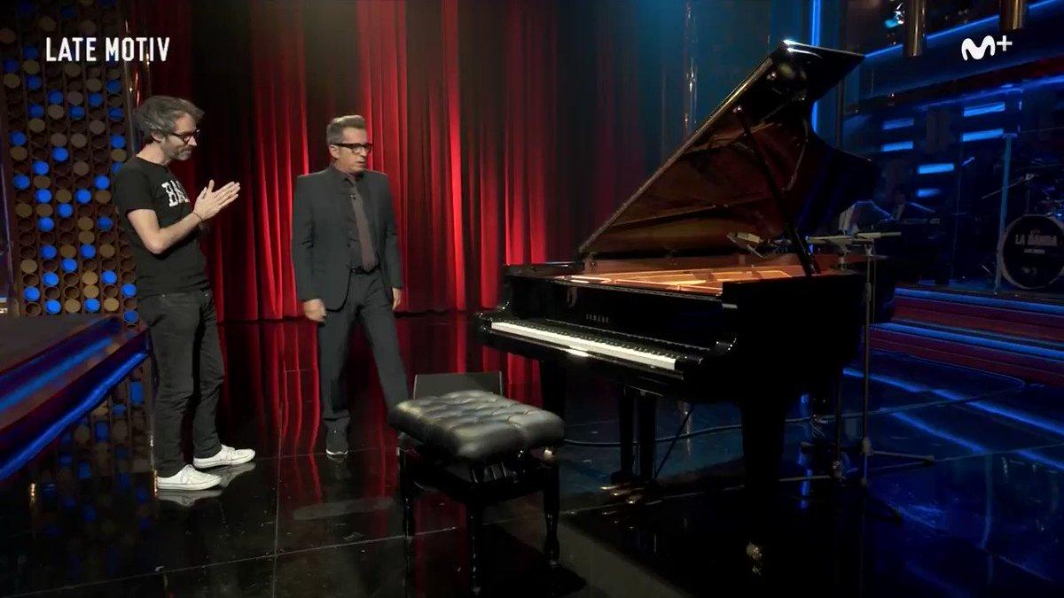 RT @LateMotivCero: #LateMotiv302. Andreu se atreve con el piano y esta versión del 'Ull per ull' de Adrià Puntí. https://t.co/d7MyyWNtLb